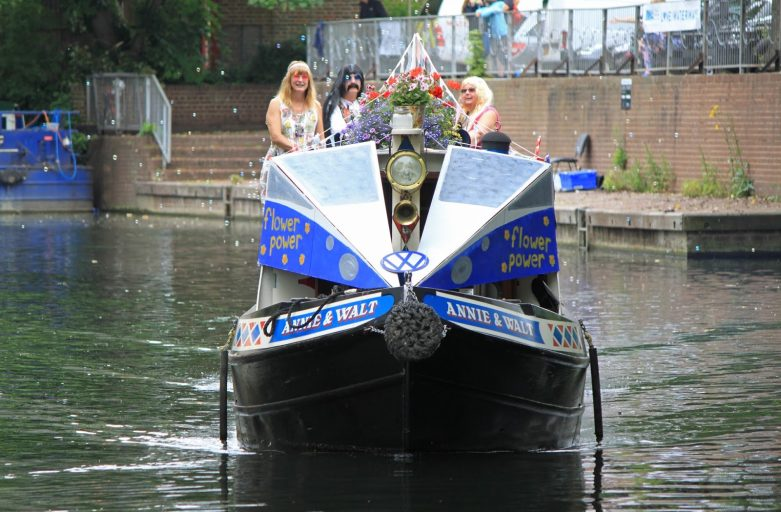 Boat decorataed for Flower Power category