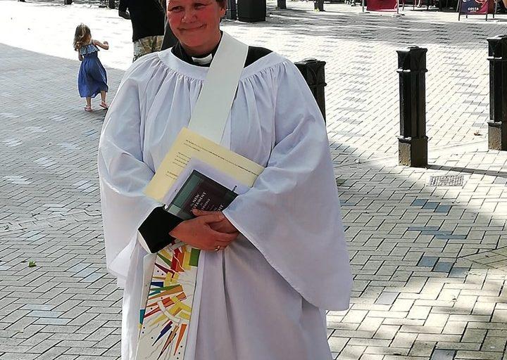Debbie Nouwen leaves Waterways Chaplaincy for a manse in pastures green