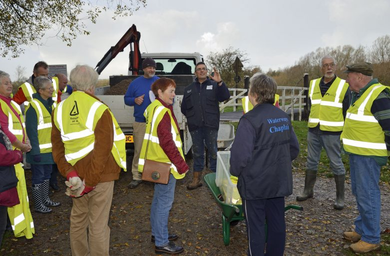 An encouragement to Anglican vicars to consider volunteering as a Waterways Chaplain